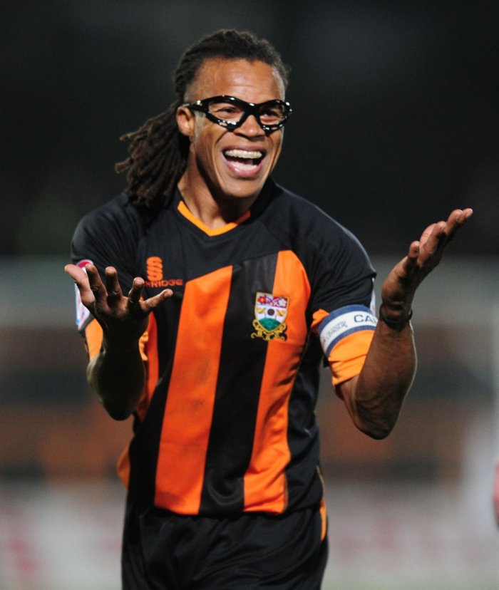 Edgar Davids makes an impassioned complaint about the quality of sports underpant manufacturing standards.