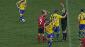 louis_moult_red_card_altrincham