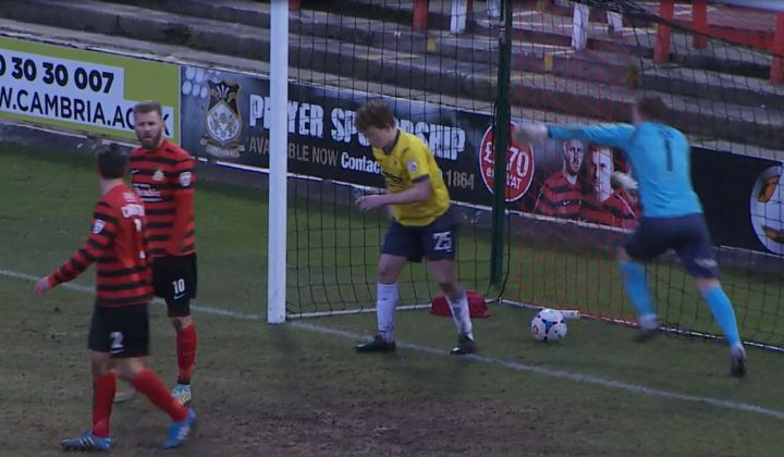 bishop_disallowed_offside_torquay_2