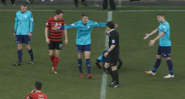 connor_jennings_red_card_telford_2