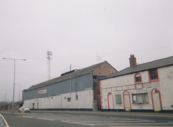 old_mold_road_stand